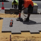 Brick Paving Perth Vacuum Machine In Action - Photo8 - Challenge Brick Paving Contractors